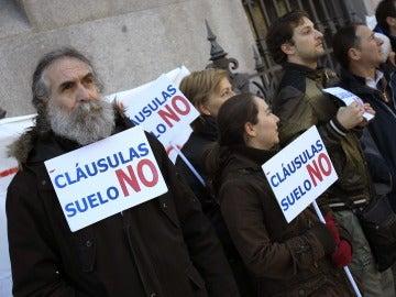 Concentración de miembros de la plataforma de afectados por las cláusulas suelo