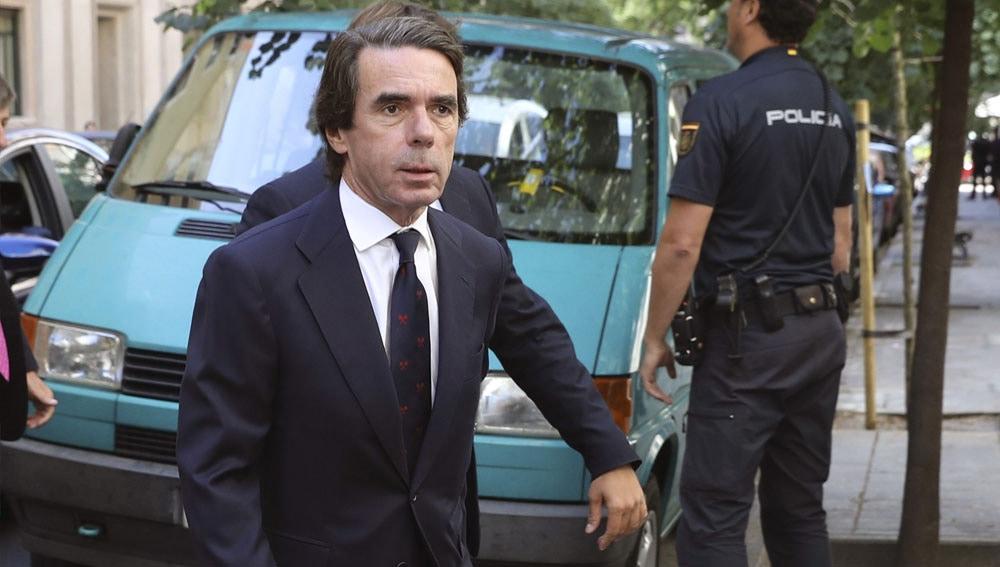 Aznar, momentos antes de inaugurar la Semana Atlántica