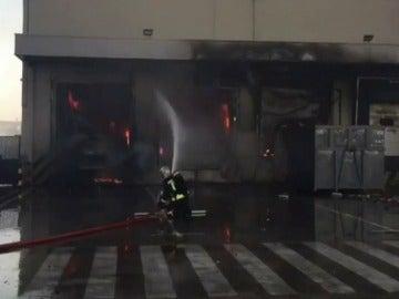 Incendio en una panificadora de Alcalá de Henares