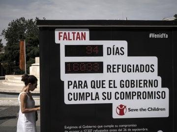 Inauguran un contador en Madrid para recordar los refugiados que faltan por llegar a España