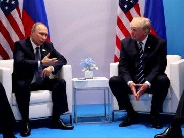 """Trump confía en que """"sucedan cosas positivas"""" tras el encuentro con Putin"""