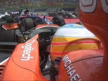 El accidente de Alonso en primer plano