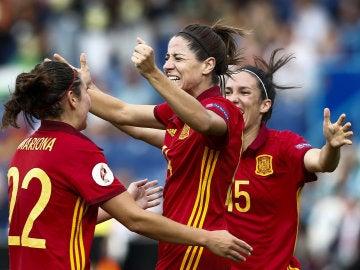 Vicky Losada celebra su gol ante Portugal