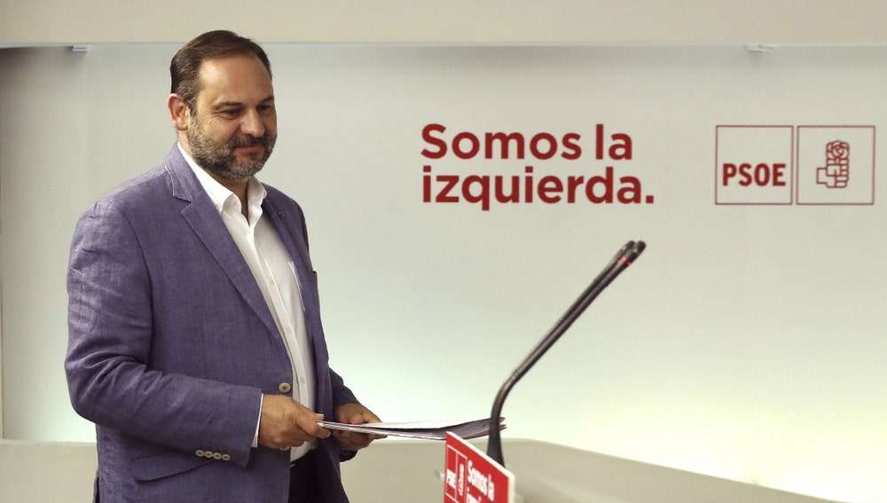José Luis Ábalos ante los medios