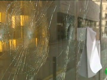 Un hotel dañado por los actos vandálicos de Arran