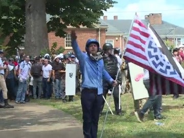 Un supremacista blanco durante una protesta en EEUU