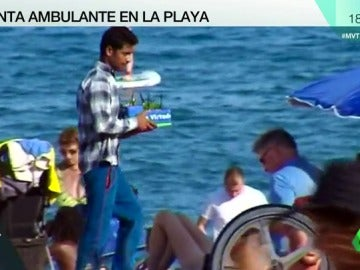 Mojitos contaminados y conflictos con los comerciantes, los problemas de las ventas ambulantes en las playas de Barcelona
