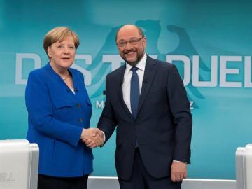 Schulz y Merkel, antes del cara a cara (Archivo)