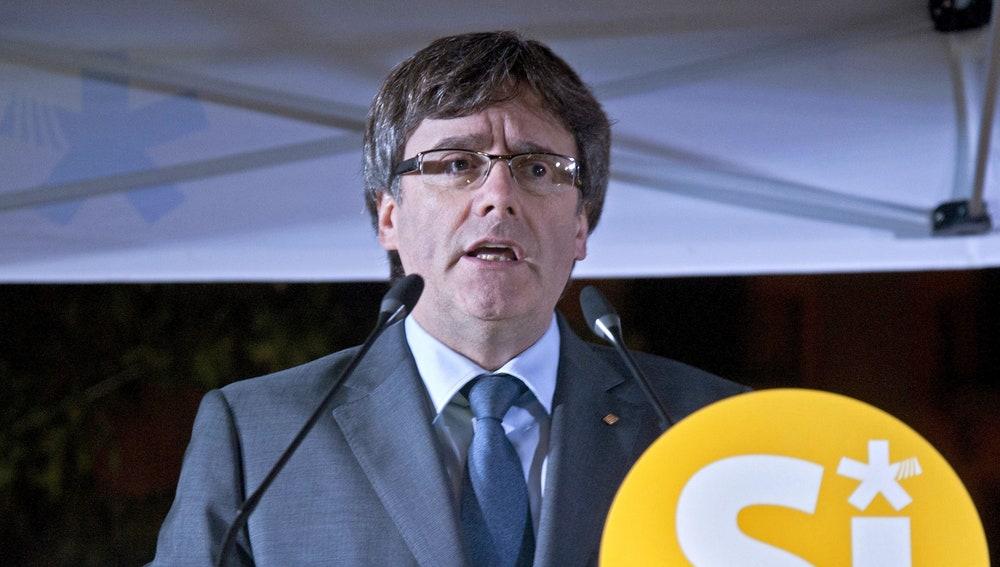 El presidente de la Generalitat de Cataluña Carles Puigdemont, durante un acto del PDeCAT