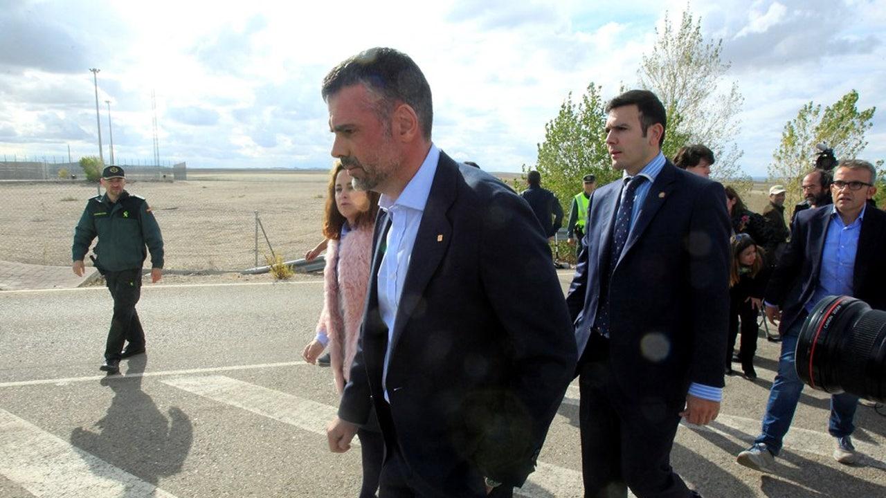 El exconseller Santi Vila a su salida de prisión