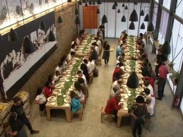 Un restaurante solidario en Brasil alimenta a las personas sin recursos
