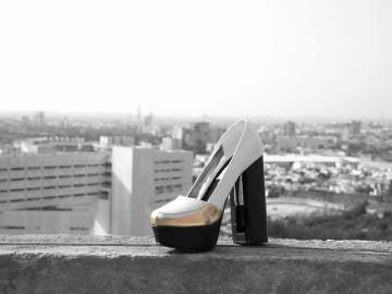 Zapatos que incorporan gas pimienta