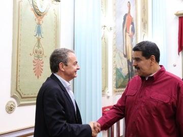 El presidente venezolano Nicolás Maduro, con el ex presidente español José Luis Rodríguez Zapatero