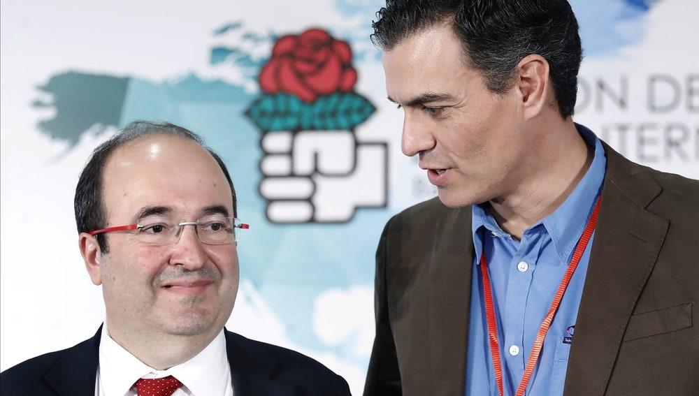 El secretario general del PSOE, Pedro Sánchez, junto al primer secretario del PSC, Miquel Iceta