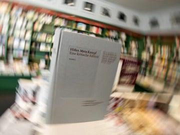 Ejemplar de la edición crítica del 'Mein Kampf' publicada en Alemania