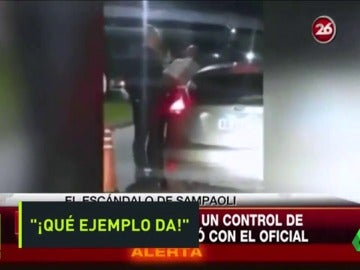 Indignación en Argentina con la actitud de Sampaoli con la Policía