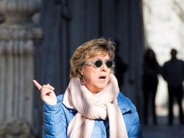 Pilar Barreiro ante las puertas del Tribunal Supremo