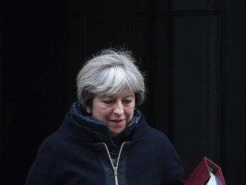 Theresa May crea un plan para luchar contra la soledad