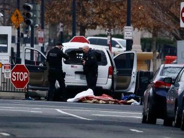 Una furgoneta se estrella contra la Casa Blanca