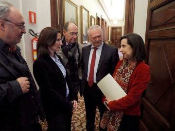 La portavoz de los socialistas Margarita Robles tras la reunión del Subcomité del Pacto Educativo