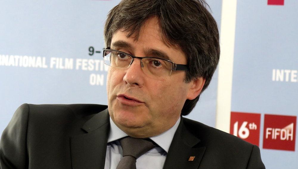 El expresidente catalán Carles Puigdemont durante un encuentro con la prensa hoy en Ginebra