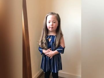 Chloe, niña que hace viral un vídeo