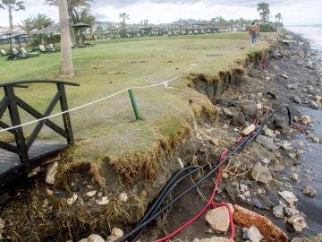 Las intensas lluvias provocan importantes desperfectos en diferentes playas de Motril