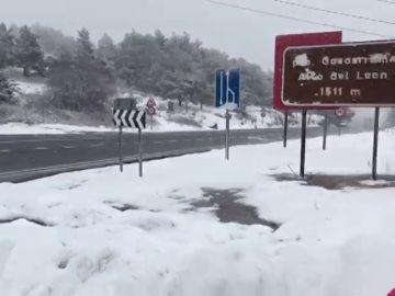 La nieve vuelve a condicionar la circulación por las carreteras del norte peninsular