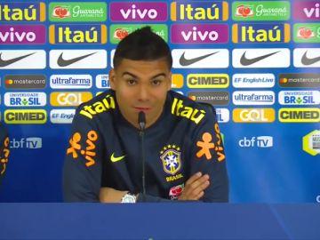 """¿Parar a Douglas Costa o pensar en el Mundial? La respuesta de Casemiro: """"Le parto por la mitad"""""""