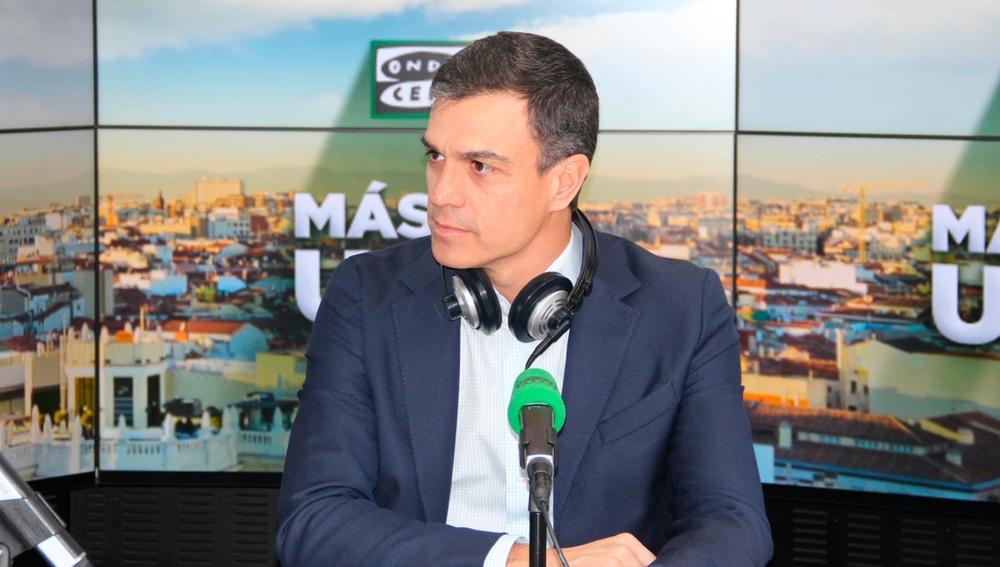 El líder del PSOE, Pedro Sánchez, en los estudios de Onda Cero