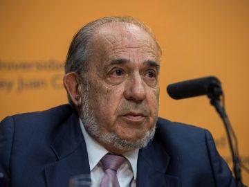 El catedrático Enrique Álvarez Conde