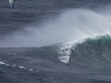 Gisela Pulido se enfrenta a las olas más grandes del mundo en el Big Wave Challenge