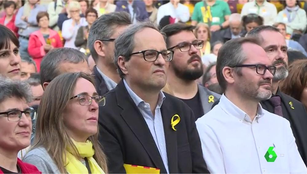 Torra asiste a la concentración de Barcelona en protesta por los siete meses de prisión de Sànchez y Cuixart