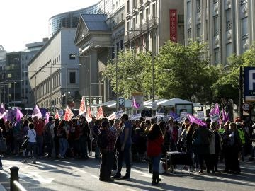 Manifestación del movimiento feminista en Madrid por el incumplimiento del Pacto de Estado