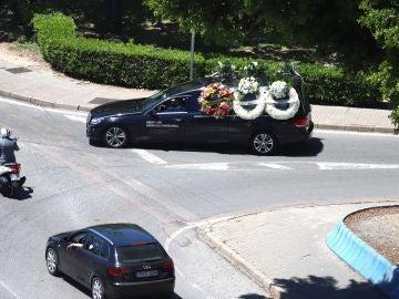 Vehículo fúnebre que traslado los restos mortales de Manuel