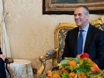 Carlo Cottarelli con el presidente de Italia, Sergio Mattarella