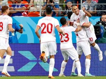 Los jugadores de Túnez celebran un gol ante Panamá