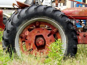 Rueda de un tractor