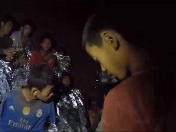 Algunos de los niños atrapados en la cueva de Tailandia