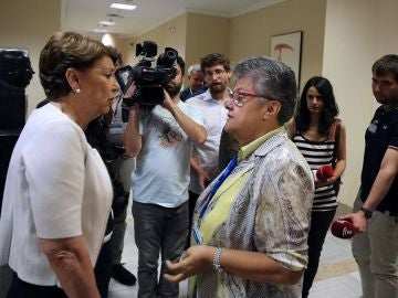 La exministra de Fomento Magdalena Álvarez y Pilar Vera, presidenta de la Asociación de Víctimas de Spanair