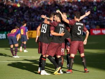 André Silva y sus compañeros celebran el gol ante el Barcelona