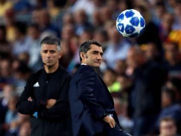 Valverde, en la banda del Camp Nou