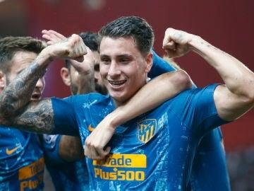 Giménez celebra su gol en el Louis II de Mónaco