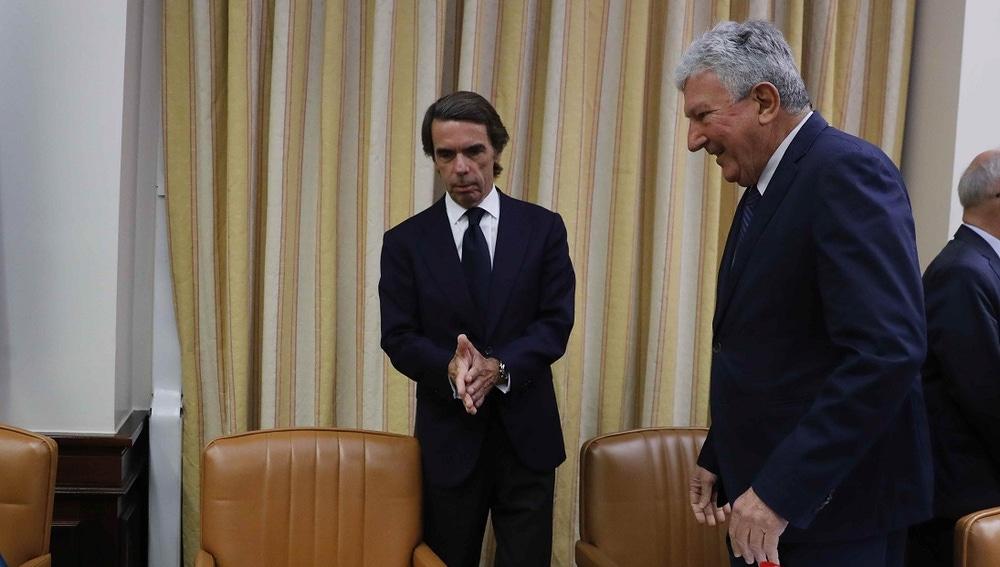 José María Aznar con Pedro Quevedo en el Congreso