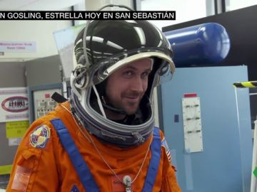 Ryan Gosling da vida al astronauta Neil Armstrong