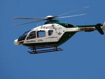 Fotografía de archivo de un helicóptero de la Guardia Civil