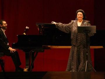 Montserrat Caballé durante una actuación