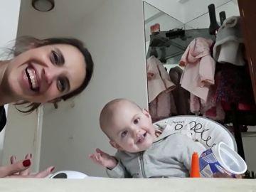 Imagen del vídeo de una madre y su hija en Argentina que está dando la vuelta al mundo