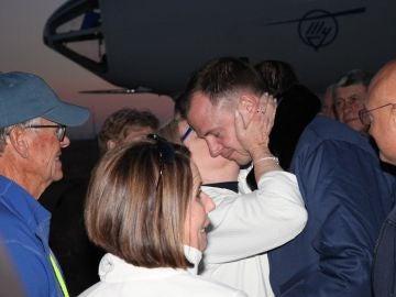 Los astronautas de la nave rusa Soyuz ya están con sus familias
