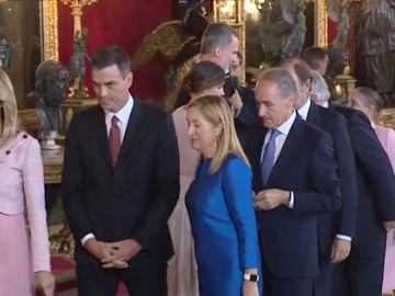El error de protocolo de Pedro Sánchez y su mujer durante el besamanos con los Reyes en el Palacio Real